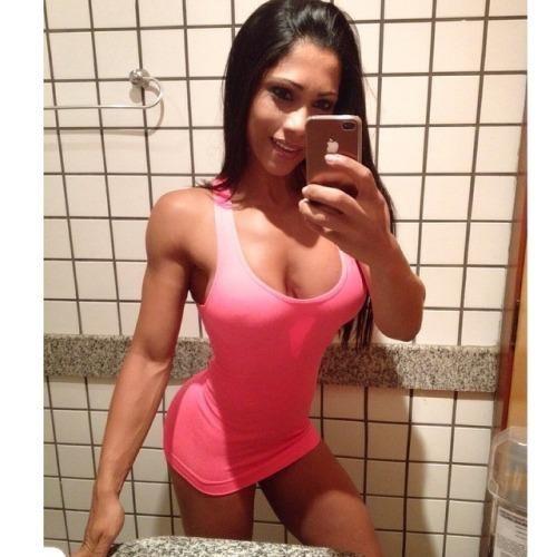Vient démonter une fille sensuelle de Montpellier en webcams femmes