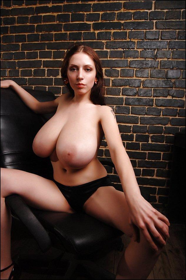 Femme insatisfaite de Calvados pour un mec sexy en webcam femme gratuite